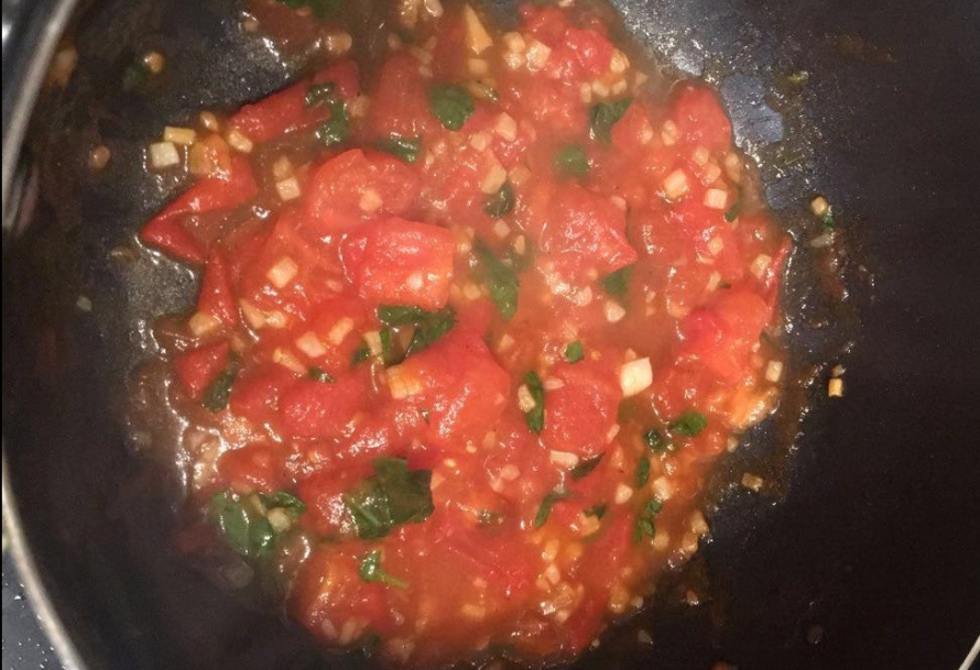 Caprese quinoa tomatoes